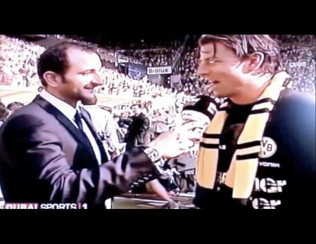 Weidenfeller: Yeah, is really, I think, äh, we have a grandios saison gespielt. We play very well, so we have, we have  to win the champin here. And I think it's a beautiful moment. And we like a lot.