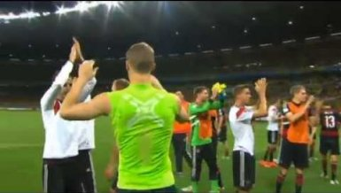 Der beste Fußball High-Five-Fail