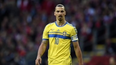 Best of 14:  Ibrahimovic spendiert Behinderten-Team die WM