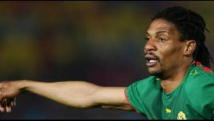Rigobert Song bricht alle Rekorde