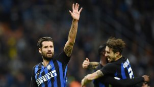 Inter-Star Candreva zahlt Migrantin das Essensgeld